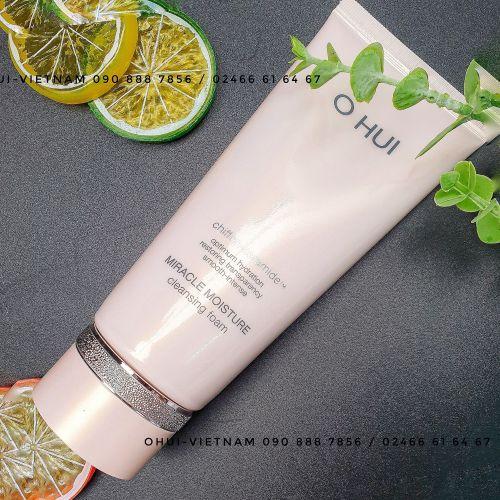 OHUI Miracle Moisture Cleansing Foam Sữa rửa mặt bổ sung ẩm cho làn da sạch nhưng vẫn tươi mát, căng mịn 160ml