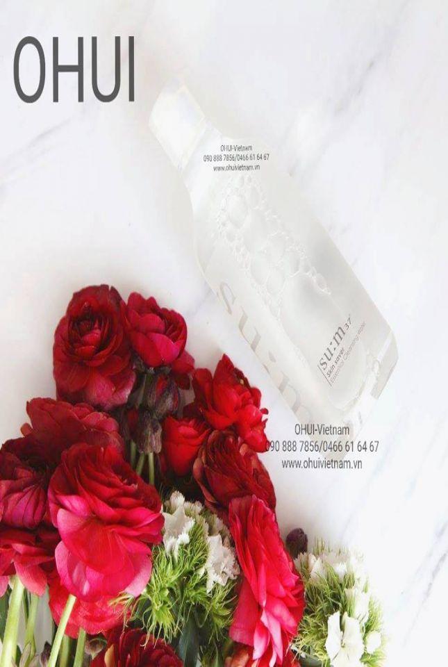 SU:M37 Skin Saver Essential Pure Cleansing Water Nước tẩy trang giàu ẩm mang lại làn da sạch sẽ, dịu nhẹ và sảng khoái 400ml